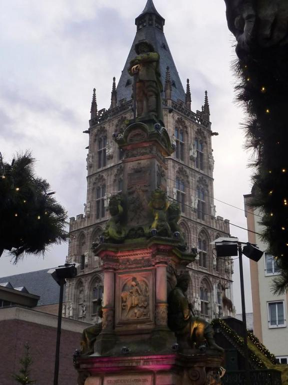 2013 12 06 Marché de Noël de Cologne (67)
