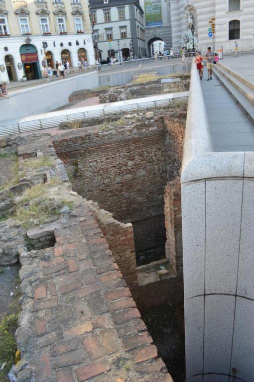 2015 - Vienne - Michaelerplatz - Vestiges romains