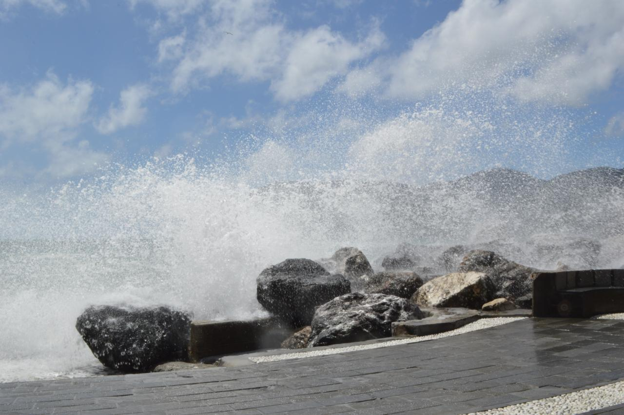 Vernazza - La mer démontée
