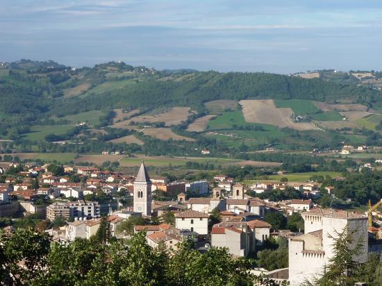 Gualdo Tadino, la ville et ses environs