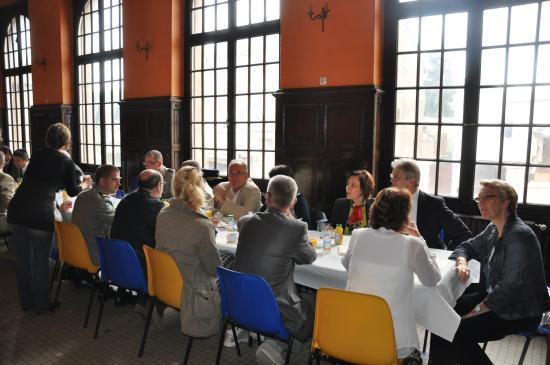 Petit déjeuner des délégations