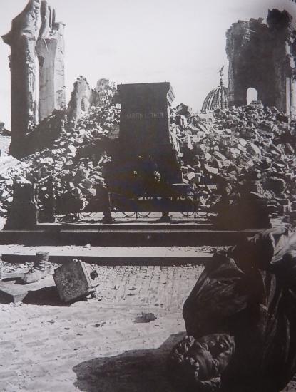Frauenkirche  1945