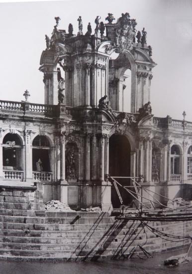 Porte de la Couronne 1945