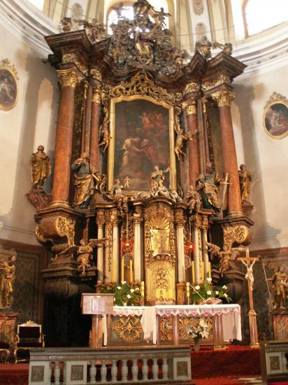 L'autel de l'église St Pierre et Paul