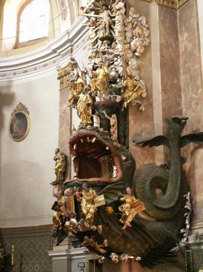 La chaire de l'église St Pierre et Paul
