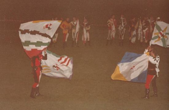 1985 - Lanceurs de drapeaux-Gualdais à Audun